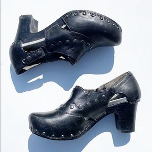 Dansko Ryder Black studded Cutout leather Clog 38